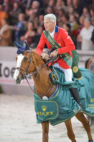 Flexible and Rich Fellers in their victory lap for the Rolex FEI World Cup Final 2012.