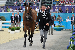 trot-up-feat
