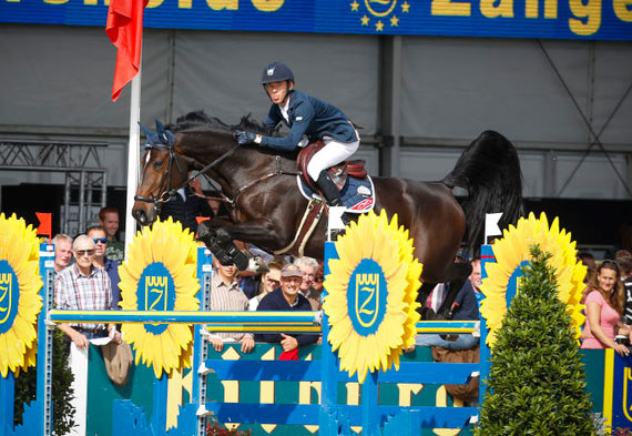 The NRPS stallion, Barnike, owned by Ballywalter Farms, claimed the Six-Year-Old title with Ireland's Bertram Allen.