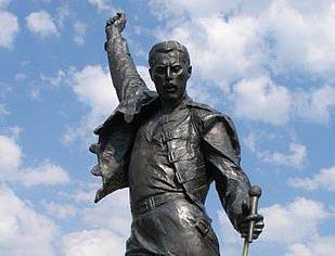 Freddie-Mercury-cropped