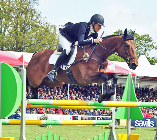 Lucy Jackson (NZL) on Willy Do