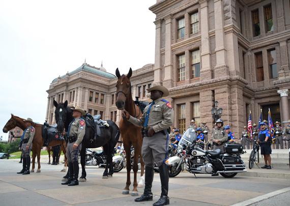 texas-mounted-9