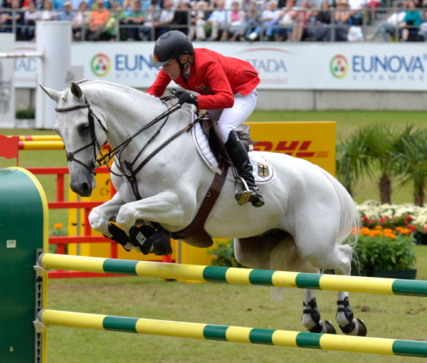 Meredith Michaels-Beerbaum and Fibonacci 17 at the FEI European Jumping CHampionships, in Aachen, August 23, 2015.