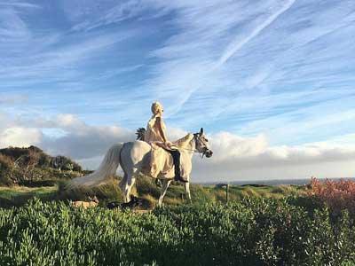 lady-gaga-horse-ride-featured