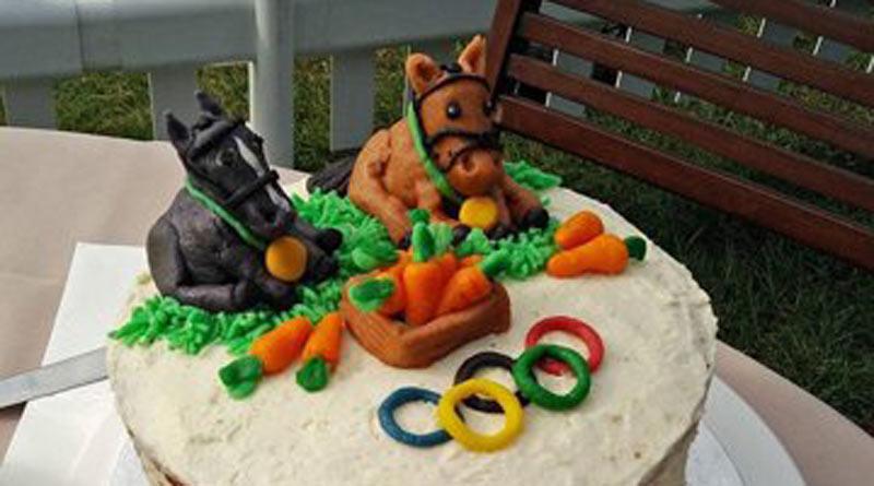 brooke-burghley-cake800
