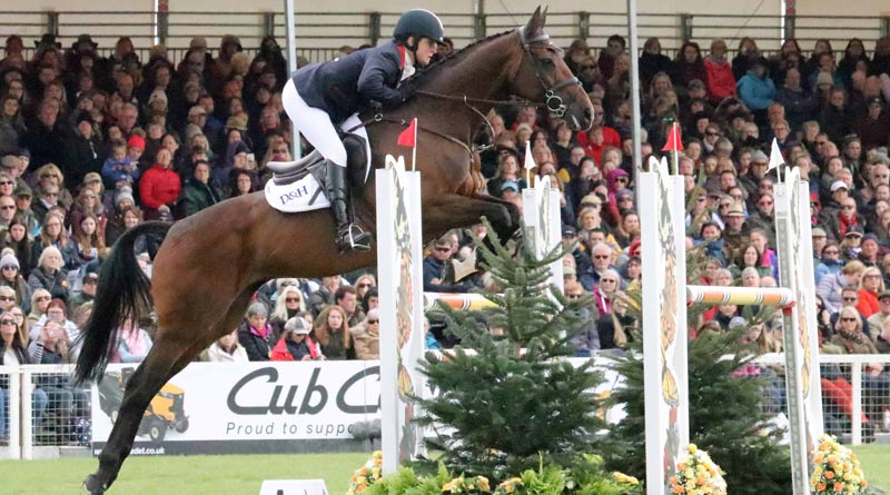 Piggy French and Vanir Kamira on their way to winning the Badminton Horse Trials.